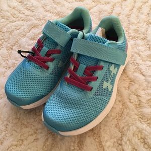 Under Armour kids surge velcro sneakers 11 New